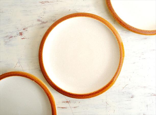 ベルギー製 BOCH ボッホ 21cmプレート お皿 生成りベージュ 磁器 陶器 アンティーク ヴィンテージ食器